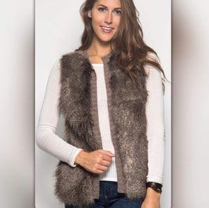 NWT Cozy Mocha Faux Fur Vest, L